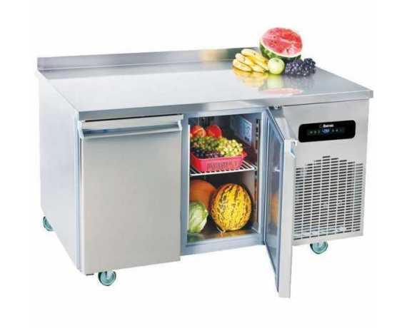 Desserte et Table Réfrigérée pour Cuisine Professionnelle